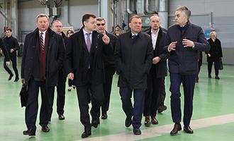 Вице-премьеру представили второй опытный образец пассажирского самолёта Ил-114-300